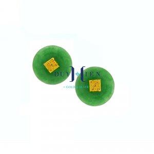 bông tai cho người trung niên có đá tròn to màu xanh lá cây ở giữa là miếng vàng hình thoi có khắc đường chữ Hán