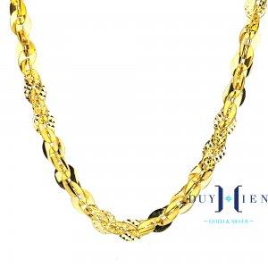 dây chuyền nữ vàng tây hình ovan nối dày với nhau dáng lật đan xen giữa trơn bóng và nhám